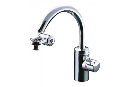 Vòi rửa nhà bếp TOTO TKF51PN chỉnh nước tại đầu vòi