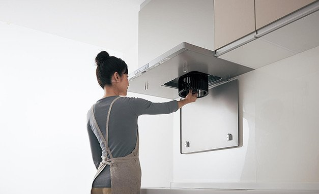 Máy hút mùi bếp kiêm khử mùi Panasonic FY-7HZC4-S (màu xám) rộng 75cm